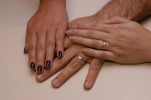 Amantes têm direito a dividir pensão com esposas